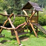 Leagăn dublu din lemn masiv cu tobogan tip turn TW04