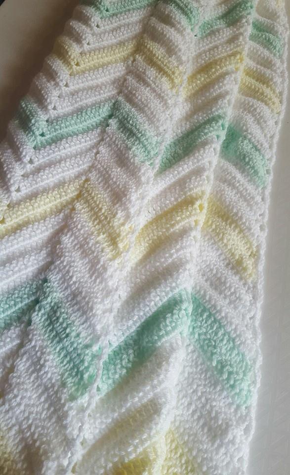 Vintage Look Zig Zag Chevron Crochet Blanket Pastel Yellow Pastel