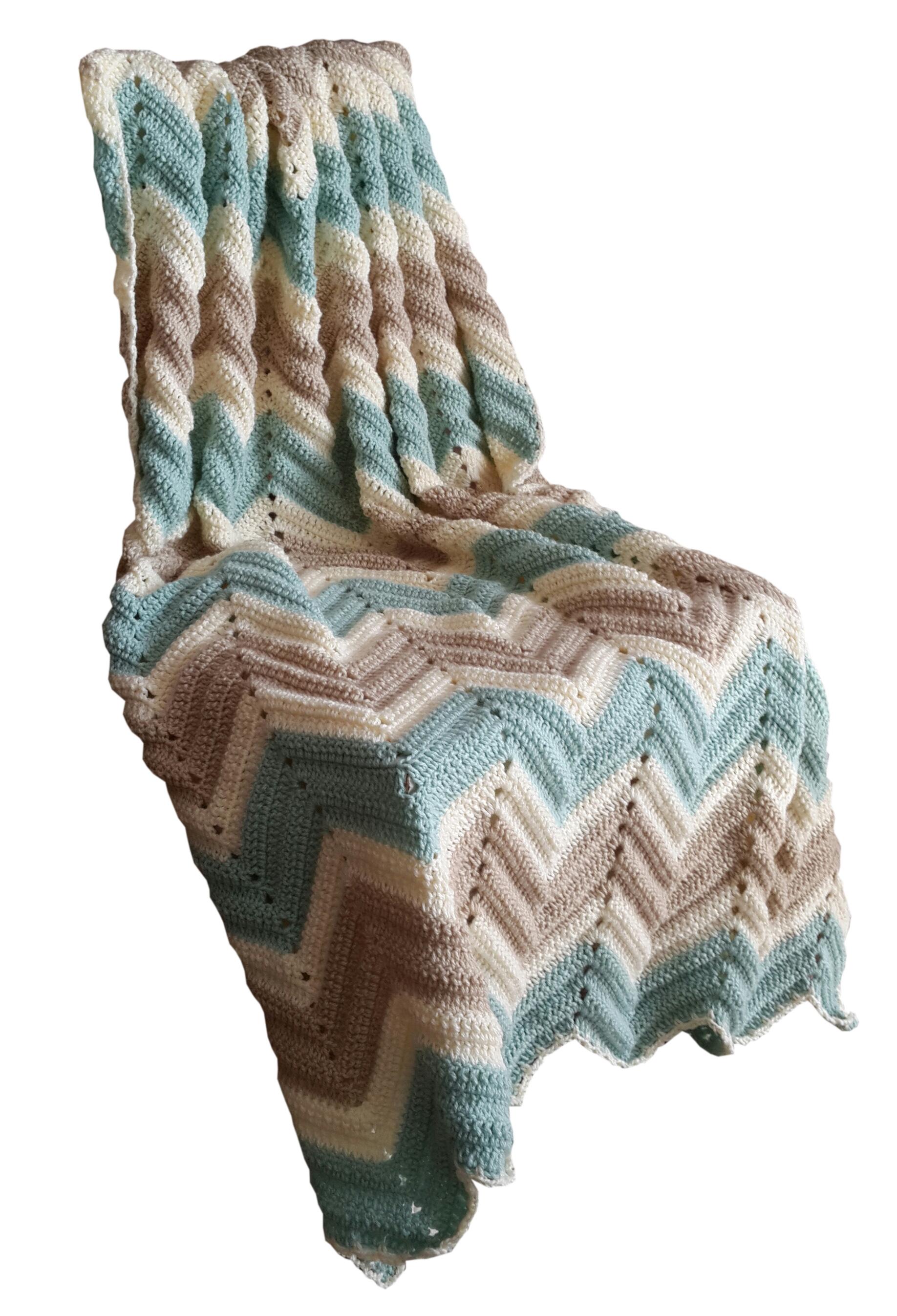 Vintage Look Zig Zag Crochet Blanket In Snomoon Duck Egg Cream